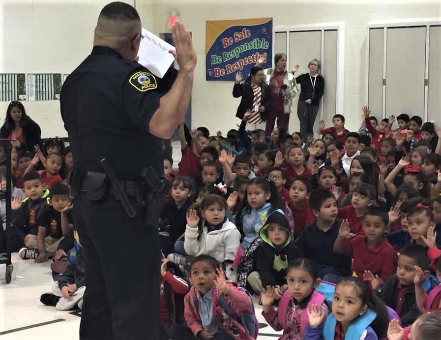 Red Ribbon Week Nancy Lopez Elementary Officer Romero 2 (10-23-17)